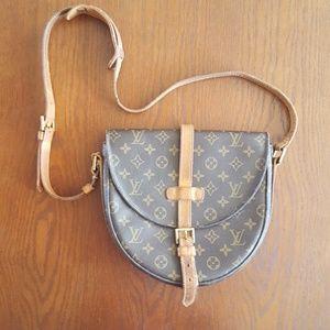 《 LV 》 Chantilly Crossbody Bag